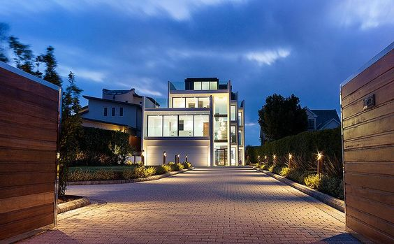 Trophy home of the week: http://bit.ly/1v1FDnl