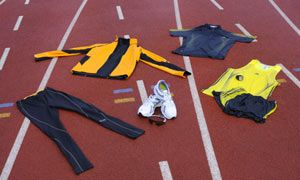 Running gear lying on an athletics track