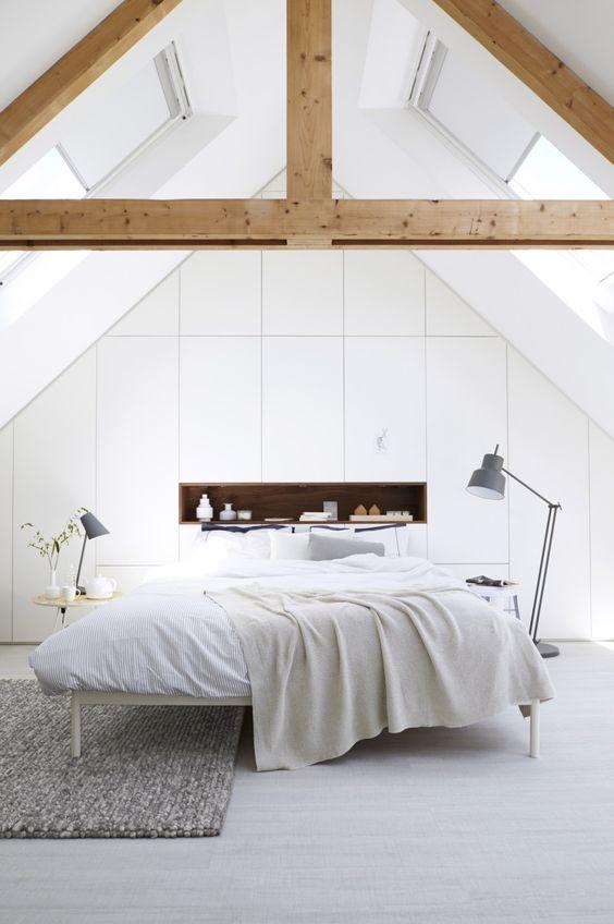 Aménager une chambre sous les combles. http://www.m-habitat.fr/par-pieces/chambre/amenager-une-chambre-sous-les-combles-2628_A