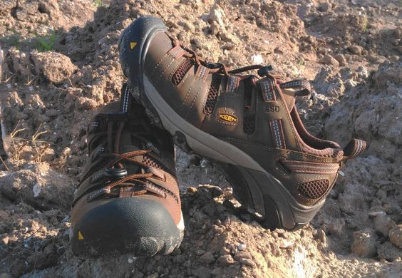 Keen Utility Atlanta Cool ESD Soft Toe Work Shoe  #KeenUtility's Atlanta Cool ESD Soft Toe is an outstanding light-duty work shoe that's light weight and breathable.   #jobsite #construction #workboot #workshoe #footwear  https://protoolreviews.staging.wpengine.com/tools/safety-workwear/keen-utility-atlanta-cool-esd-soft-toe/24915/