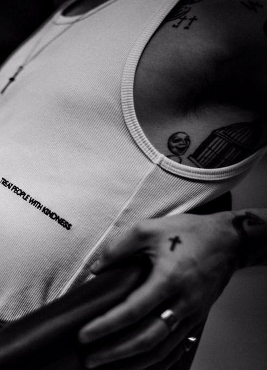Pin Di Manu Su Sfondi Foto Di Harry Styles Harry Styles Harry Immagina