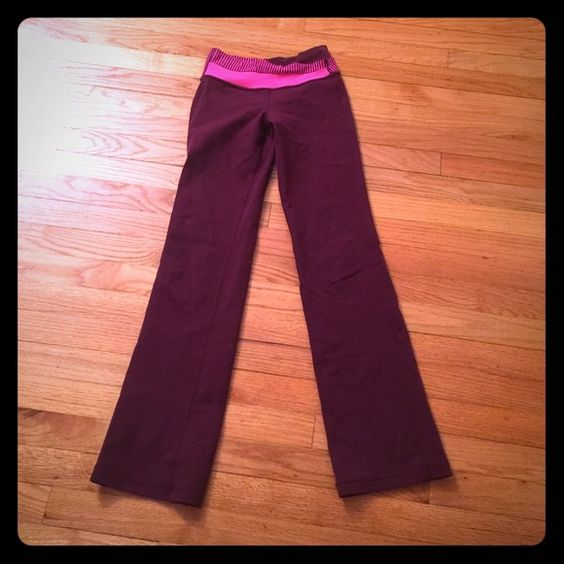 Lululemon groove pants - Zinfandel and pink 2 Nice classic groove pants in great condition, I'm 5'5 and length is just right, 30 inch inseam ... Size 2, no flaws except size tag was removed lululemon athletica Pants Leggings