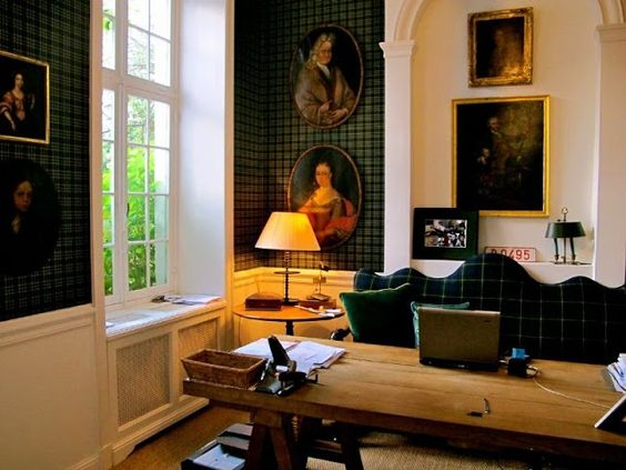 Eye For Design: Decorating With Plaid Covered Walls #Celtic
