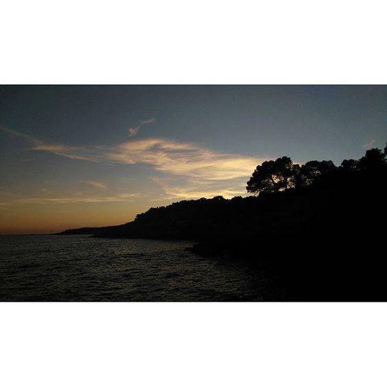 #Photo @ariiadnacf #ametllademar #ametllamar #terresdelebre #tarragona #catalunya #catalogne #cataluña #catalonia #pesca #fishing #pêche #platja #playa #plage #beach #estiu #verano #été #summer #sun #vacances #vacaciones #holiday #traveling #viajes #travel #visit #eatheword #vamosdeviaje #voyage #escapadas #experiences #traveller #food #gastronomia #gastronomy #happyholidays #mediterrani #mediterraneo #mediterranean #visiting #vacation #trip #tourism #tourist #reservadelabiosfera