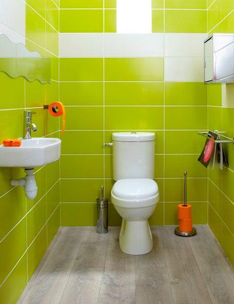 Peinture Carrelage Salle De Bain Julien : decoration-wc-faience-murale-vert-anis-accessoires-deco-orange
