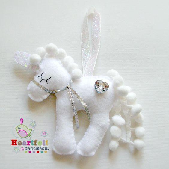 Heartfelt Handmade's Blog: Lovely Luna
