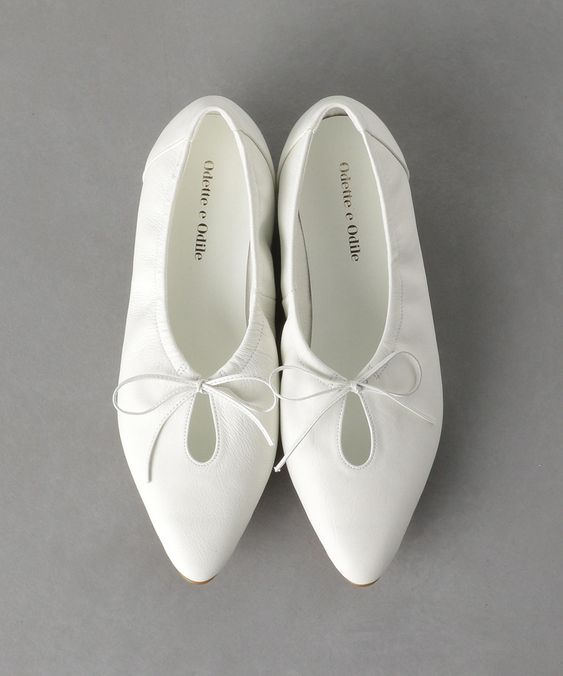 47 Spring White Shoes That Will Make You Look Great shoes womenshoes footwear shoestrends