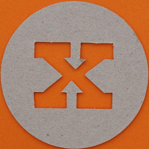 plain card disc letter x