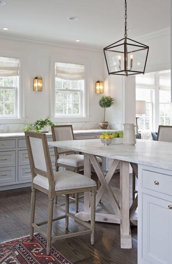 Rachel Halvorson Inspired Decorating Tips. #kitchen #modernfarmhouse #whitedecor #lantern