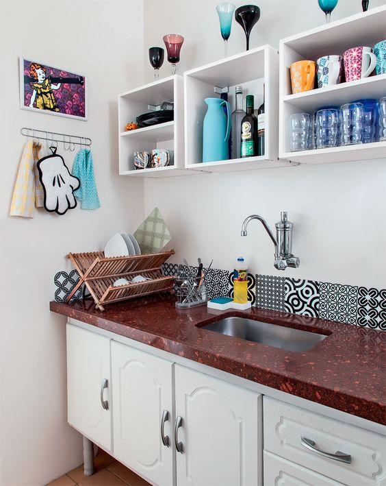 Apartamento pequeno de 46 m2 é decorado com economia e bom humor - Casa: