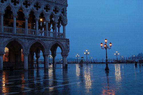 | ♕ | Venice in Rain - Piazza San Marco