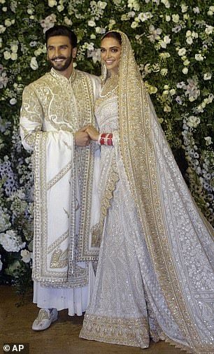 Deepika Padukone And Ranveer Singh S Mumbai Wedding Reception Couple Wedding Dress Bollywood Wedding Mumbai Wedding
