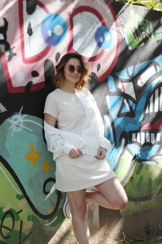 Vestido Camiseta, Bomber e Flatform | Look Street Style Prático pro dia a dia