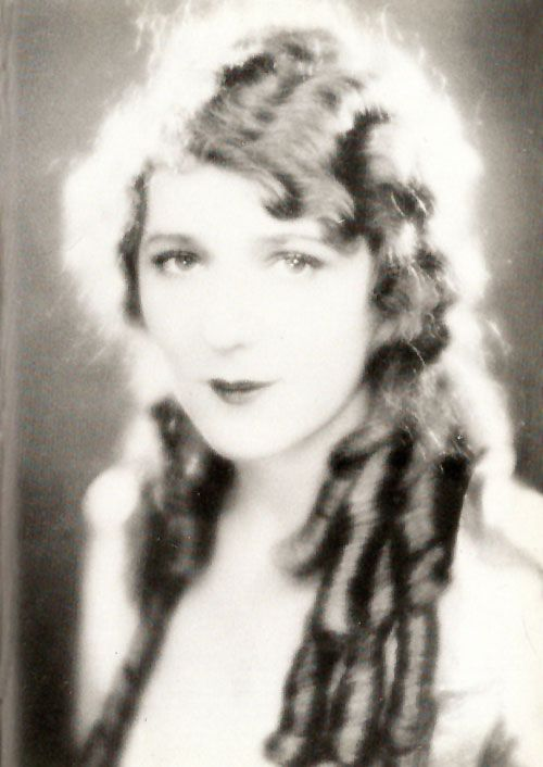 The only star that I've been said to resemble.  Mary Pickford - does anyone else see it?  I'm not sure.