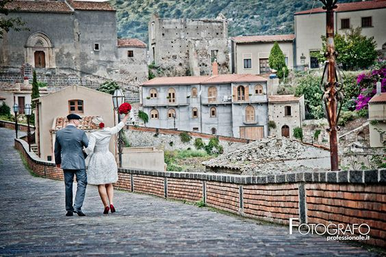 Weddings in Italy - Bride and Groom In Sicily