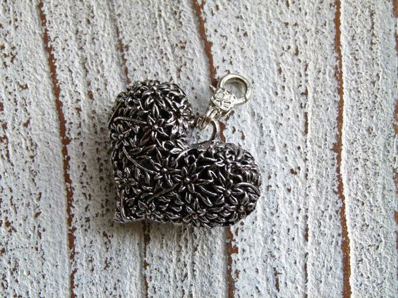 Charm heart vintage style from Charmecharming 5,00 €