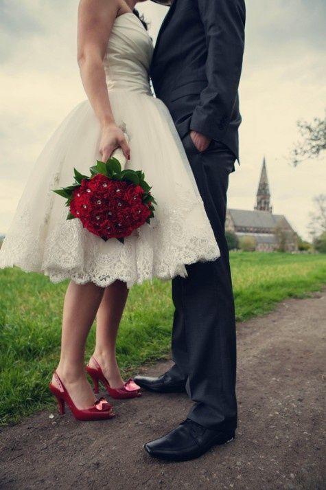 Como está o casamento hoje em dia com a liberdade encontrada pela mulher dentro da sociedade? Condição de casamento atualmente: Namoridos.