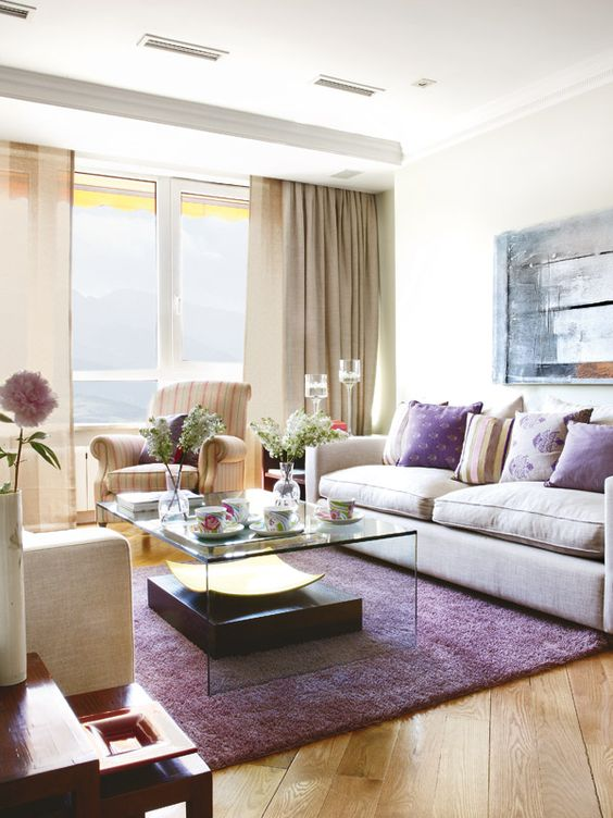 Salons purple rugs and purple on pinterest for Decoracion interior living comedor