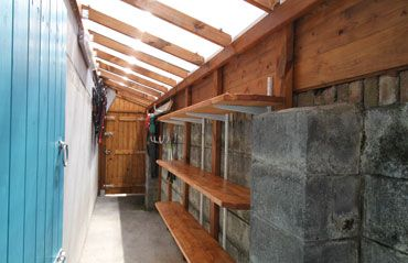 Raised Roof For Side Passage Shed In 2020 Small Courtyard Gardens Lean To Shed