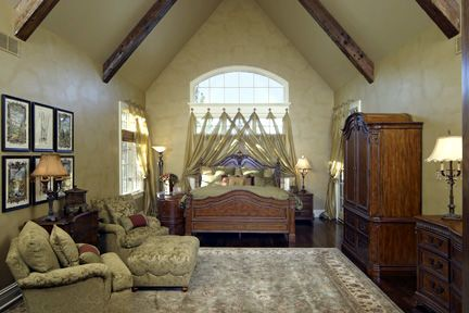"This is what you call a ""vaulted ceiling"". #extremehomes"