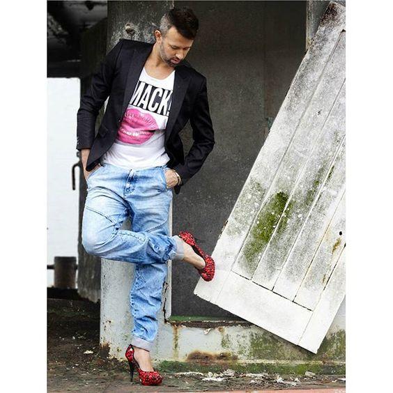 Hoje tem #stilettodance  comigo às 18:15 na #movimentosa  e às 20:00 no #studiocontratempo .. 👊💋👠 vem começar seu fds divando 👠 #aquiemsantostem  #dancaemsantos  #santos #meninheels  #photooftheday ......fotografia por @brunafigo 📷 #photography #photo #photos #pic #pics #hashtagsgen #picture #pictures #snapshot #art #beautiful #instagood #picoftheday #photooftheday #color #all_shots #exposure #composition #focus #capture #moment