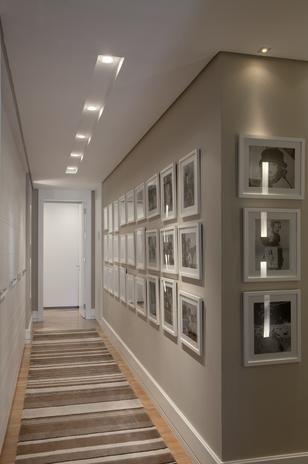Um belo mural de fotos interessante pinterest murais - Apliques para escaleras ...