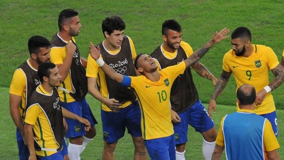 Neymar ist der Brasilien-Held! Erst trifft er im Spiel, dann macht er den entscheidenden Elfer rein