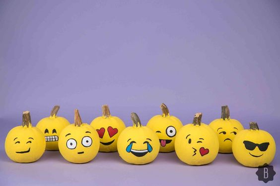 Make Perfect Emoji Pumpkins For Halloween In 3 Super Simple Steps — DIY