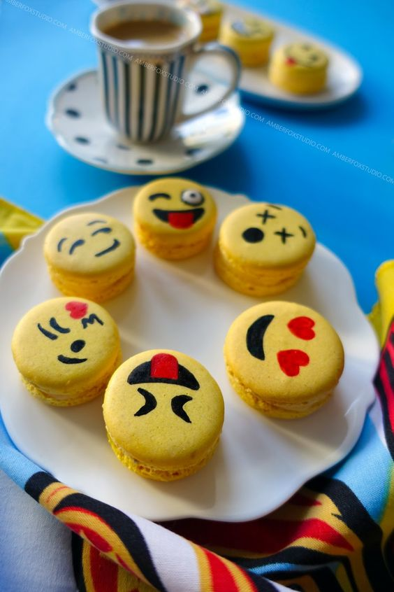 Happy World Emoji Day! Make your own Emoji Macarons! ~ The Eclectic Photo Diary