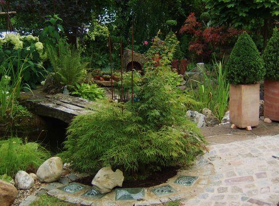 Gartensicht---oder Ansicht...?? Glasbausteine im Pflaster verarbeitet....  e-schriefer.blogspot.de