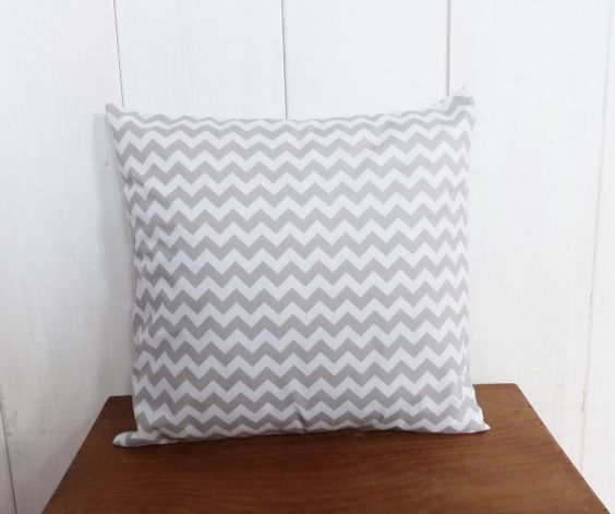 nouveau housse de coussin 40 x 40 cm gris motifs chevrons esprit design scandinave chevron. Black Bedroom Furniture Sets. Home Design Ideas