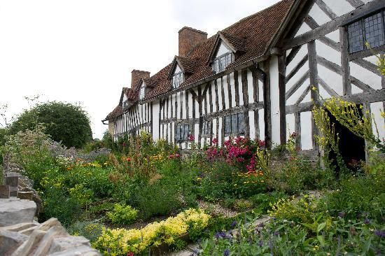 Mary Arden's House is where William Shakespeare's  mother lived  - Elizabethan half timbered house located in the village of Wilmcote, about three miles from Stratford-upon-Avon.: