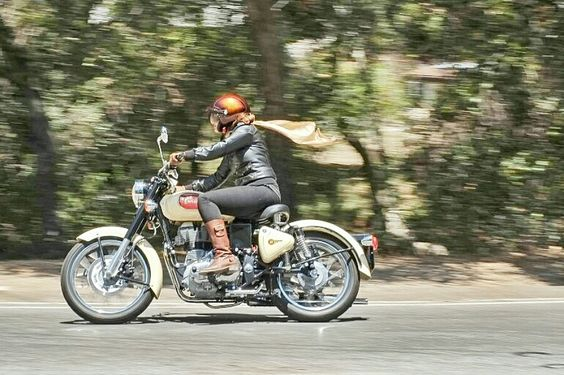 Riding Nerdy - Royal Enfield Classic 500 First Ride