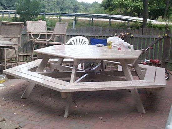 buildeazy hexagonal picnic table made by Robert
