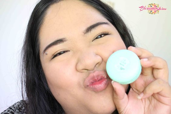 Look at my clean, smooth and healthy lips! <3