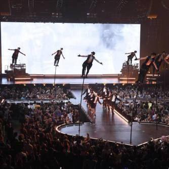 Madonna tira o fôlego dos fãs na estreia da turnê de Rebel Heart