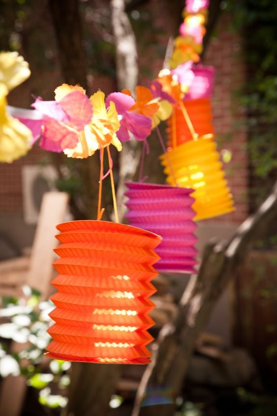 Fab colour theme and lanterns are such a good idea for a summer fiesta party.