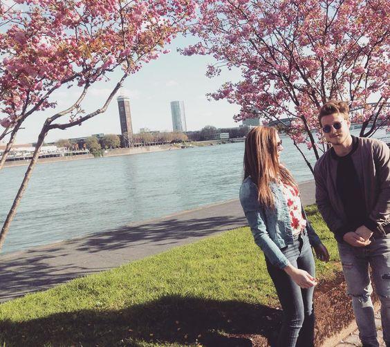 Kirschblüten - Zeit 💕🤗🌷 #schön #endlich #frühling #kirschblüten #flower #power #rhein #köln @maximilian.ratzenboeck