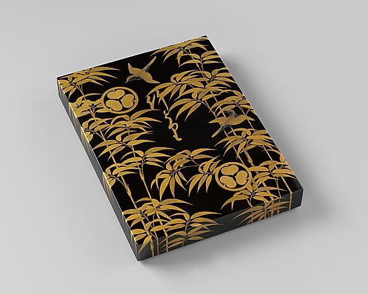 Covered box  Period: Edo period (1615–1868) Date: end of 17th century Culture: Japan Medium: Black and gold lacquer