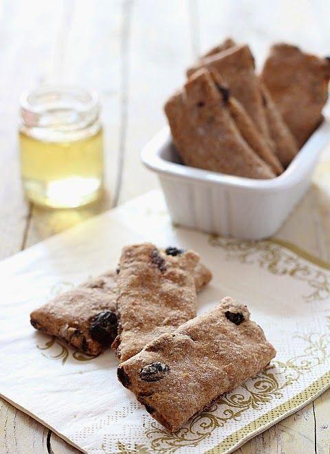Biscotti di grano saraceno, crusca e uvetta