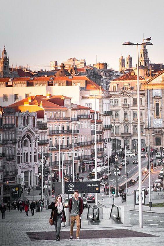 Vista desde a Praça da Batalha www.webook.pt #webookporto #porto Foto de Nuno Sousa Cerqueira