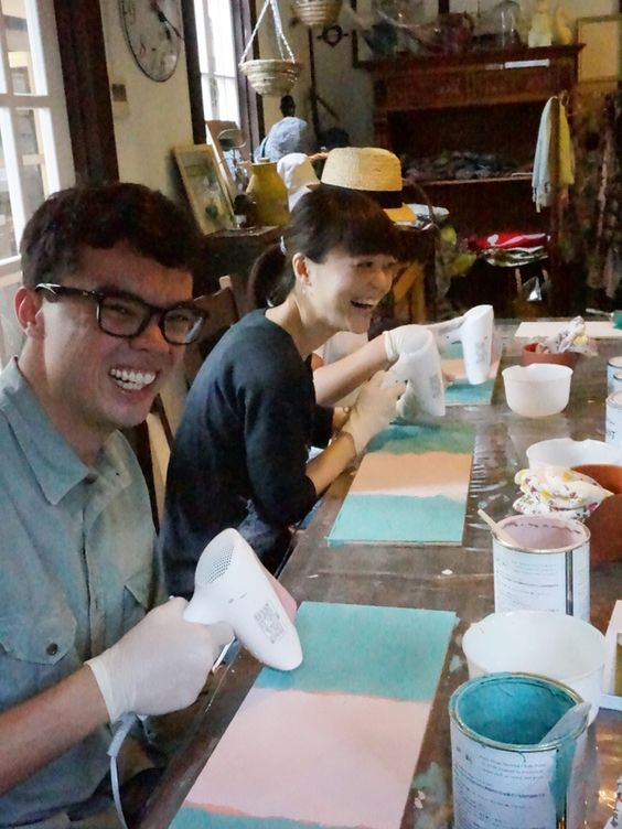 Annie Sloan CHALK PAINT workshop on 10th June, 2015. Look at these happy face! :)