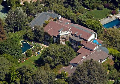 Photo: house/residence of the friendly 70 million earning Beverly Hills, CA, USA-resident