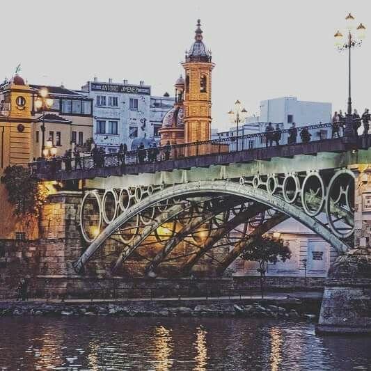 Puente Triana Sevilla Sevilla Espana Sevilla Lugares De Espana