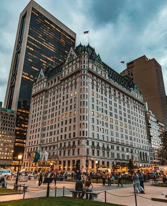 The Plaza S Hotel New York City Usa New York City Travel New York Hotels New York Travel