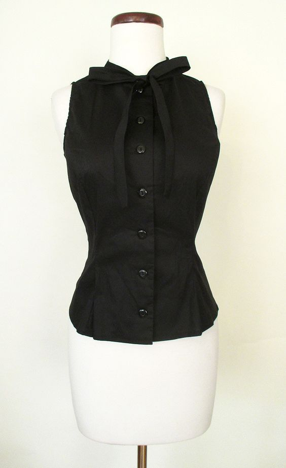 Classic 1950's Sleeveless Blouse