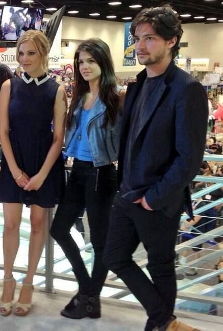 eliza taylor marie avgeropoulos and thomas mcdonell