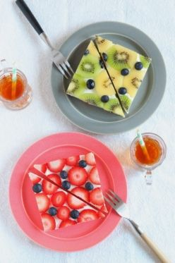 Fruits open sandwich