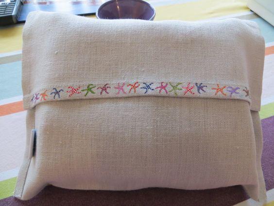 Hand painted napkin bag for 6 napkins. #linen #lilykdesignscornwall #handpainted #napkins