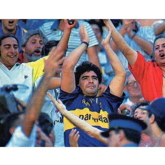 Diego en la Bombonera...